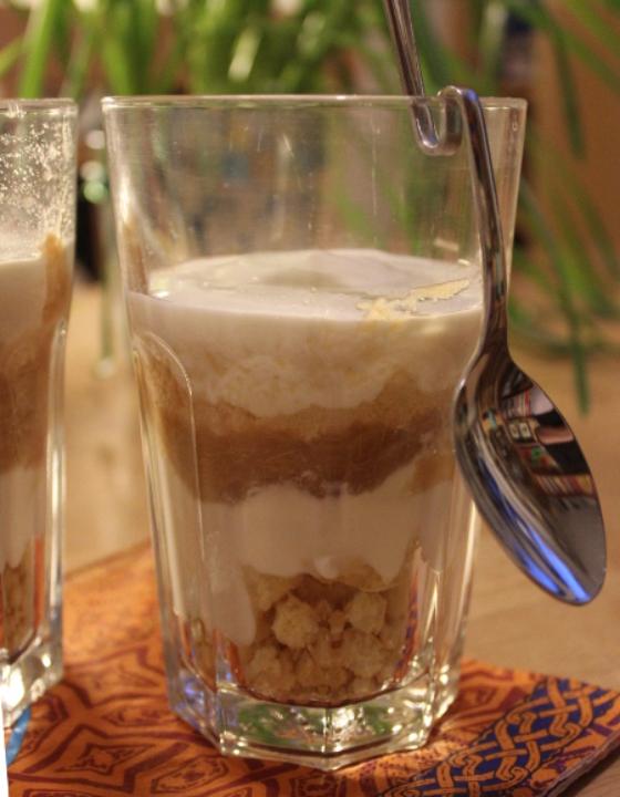 Rhabarber-Schichtjoghurt