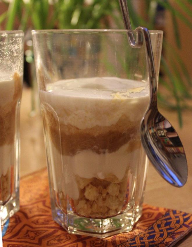 Rhabarber-Schichtjogurt