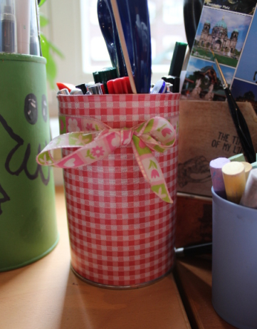 Metall- und Papprollen bekommen ein neues Leben als Organizer