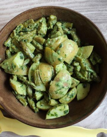 Spargelsalat mit Avokado