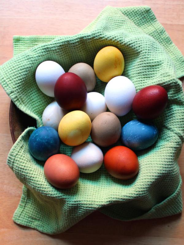 Eier färben mit Naturmaterial